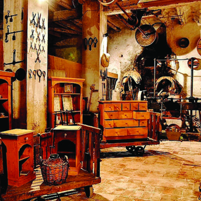 Visita l'antiga fàbrica de llana